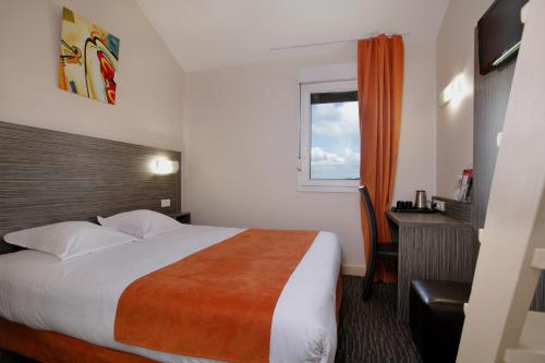 Hotel The Originals Saint-Etienne Sud L'Acropole (ex Inter-Hotel) : Hotel near La Tour-en-Jarez