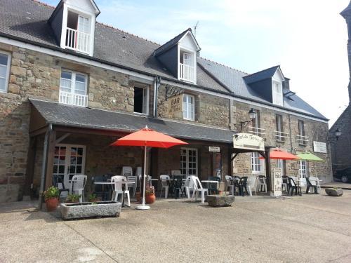 Hotel Du Tertre : Hotel near Mont-Dol