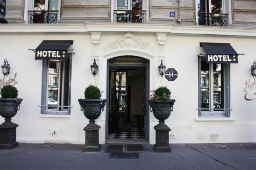 Camelia Prestige - Place de la Nation : Hotel near Paris 12e Arrondissement