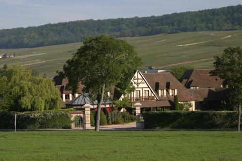 Hostellerie La Briqueterie : Hotel near Saint-Martin-d'Ablois
