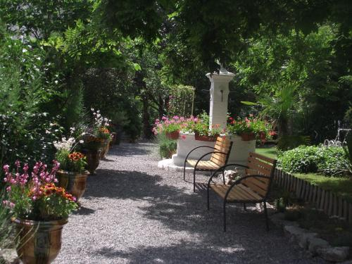 Le Portel des Arnaud : Bed and Breakfast near Sauve