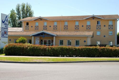 Hotel Altica Boulazac : Hotel near Cornille