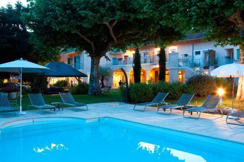 Logis Auberge Saint Simond : Hotel near Virignin
