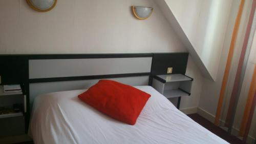 Hôtel Victor Hugo Lorient : Hotel near Lorient