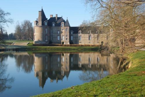 Chateau de Canisy : Hotel near Montcuit