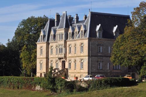 Château des Faugs : Guest accommodation near Champis