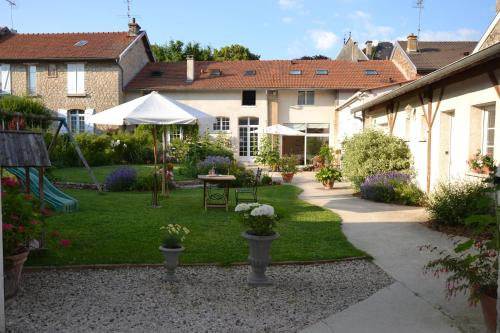 Les Célestines : Bed and Breakfast near Écly