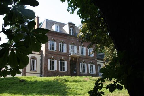 La Ferme en Ville : Bed and Breakfast near Drucourt