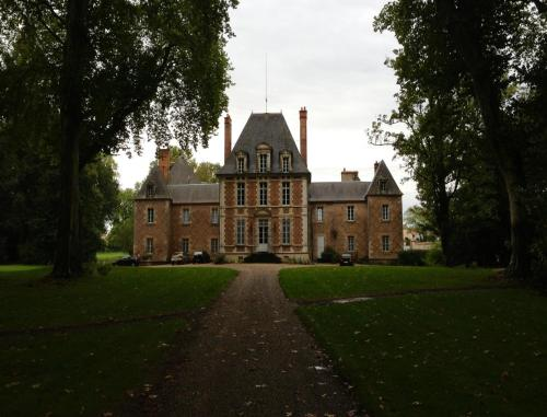 Château de Villars : Bed and Breakfast near Aubigny