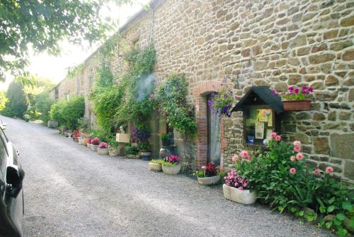 Chambres d'Hôtes Les Fleurettes en Baie Du Mont Saint Michel : Bed and Breakfast near Saint-Marcan