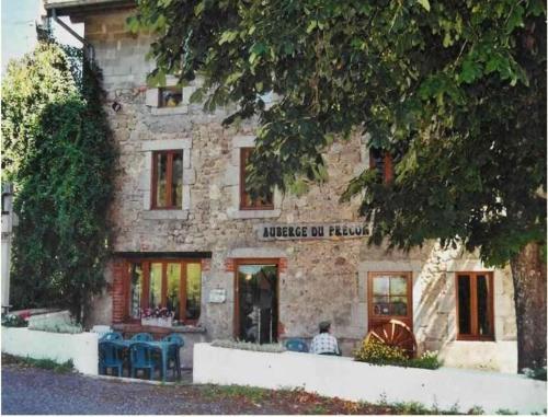 Auberge du Précontent : Bed and Breakfast near Barrais-Bussolles