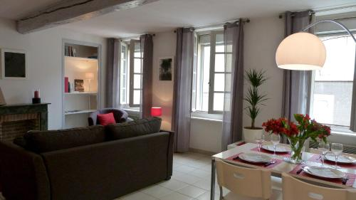 Le May : Apartment near Pennautier