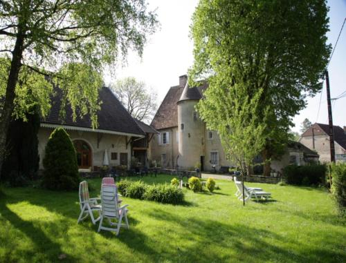 Le Détour : Bed and Breakfast near Rurey