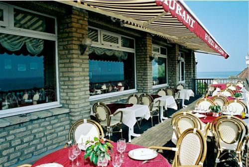Logis Hotel Du Casino : Hotel near Englesqueville-la-Percée