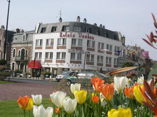 Le Relais Vauban : Hotel near Domqueur