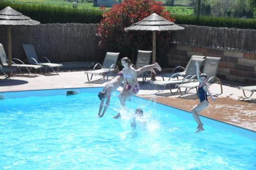 Camping Saint Michel : Guest accommodation near Courtils