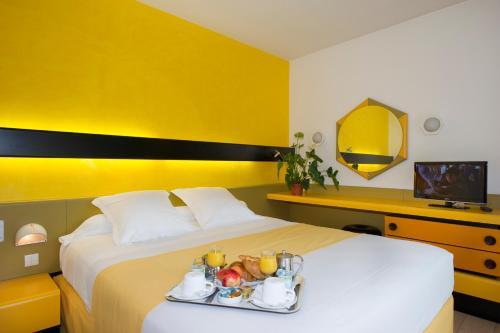 Hôtel Urbain V : Hotel near Chastel-Nouvel