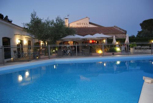 Les Aubuns Country Hotel : Hotel near Manduel