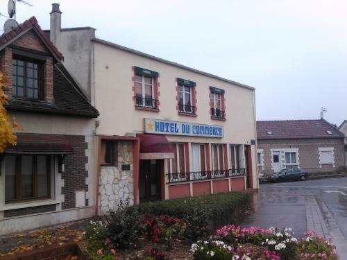 Hotel Le Commerce : Hotel near Rainneville