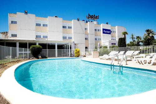 Kyriad Toulon Est La Garde : Hotel near Solliès-Ville