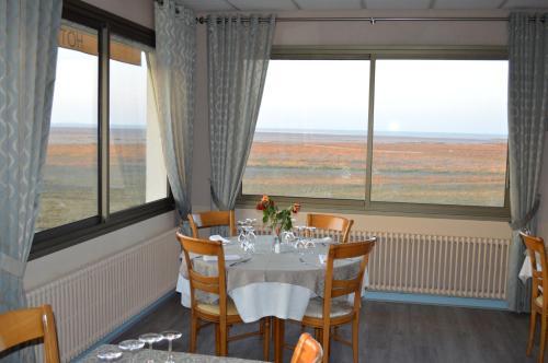 Le Bretagne : Hotel near Hirel
