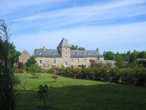 Château de Bonabry : Bed and Breakfast near Yffiniac