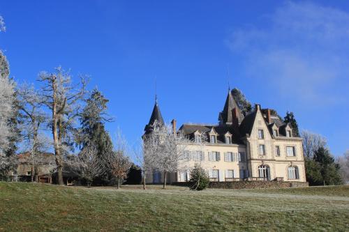 Château de Saint-Antoine : Guest accommodation near Chaptelat