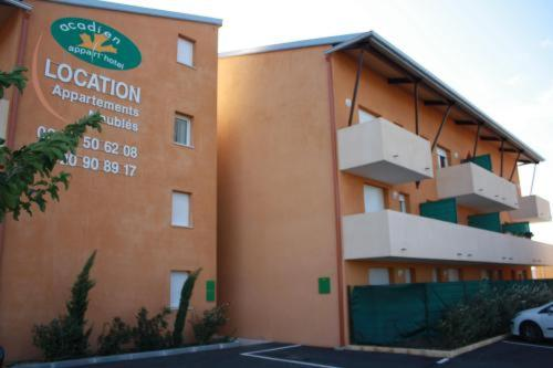 Appart Hotel Acadien : Guest accommodation near Salon-de-Provence