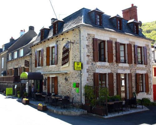 Logis Hôtel Les Coudercous : Hotel near Prinsuéjols