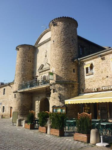 Hôtel Le Prieuré : Hotel near L'Horme
