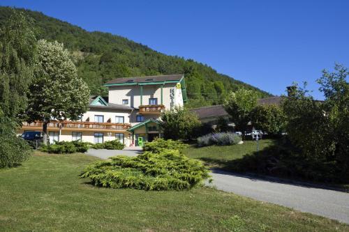 Logis Murtel : Hotel near Pierre-Châtel