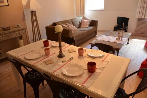 hotel beaune hotels near beaune 21200 france. Black Bedroom Furniture Sets. Home Design Ideas