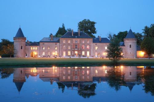 Le Domaine Chateau du Faucon : Hotel near Sedan