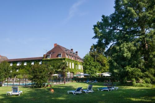 Hotel The Originals Hostellerie Château de la Barge (ex Relais du Silence) : Hotel near Crêches-sur-Saône