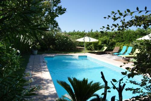 Le Mas des Roses : Guest accommodation near Saint-André-de-Roquepertuis