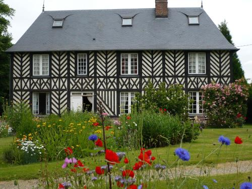 Manoir du Poirier de Chio : Guest accommodation near Tourville-en-Auge
