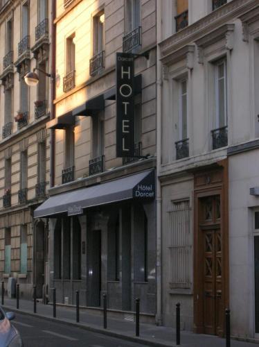 Hotel Darcet : Hotel near Paris 17e Arrondissement