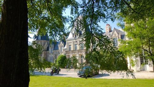 Chambres d'Hôtes Château du Bois de La Noe : Bed and Breakfast near Saint-Aignan-Grandlieu