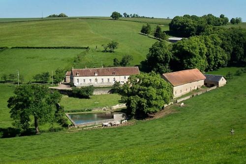 Domaine de Drémont : Bed and Breakfast near Chazeuil