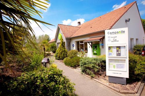Campanile Hôtel Auch : Hotel near Pessan