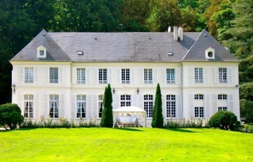 B&B Château du Saulsoy : Bed and Breakfast near Charly-sur-Marne