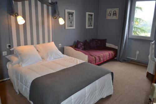 Logis le Relais Sarrasin : Hotel near Massanes