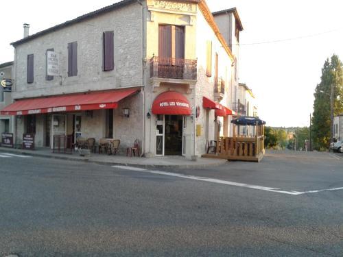 Les Voyageurs : Hotel near Saint-Eutrope-de-Born