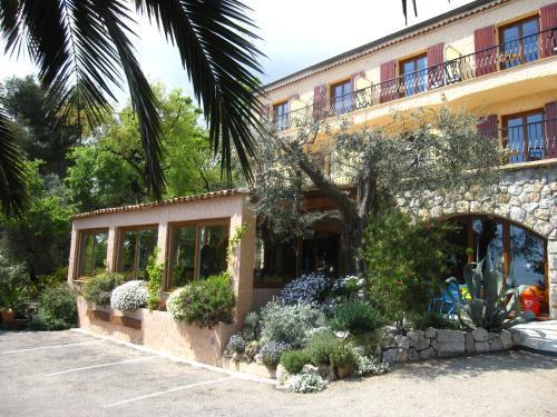Les Belles Terrasses : Hotel near Coursegoules