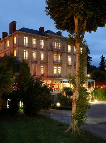 Hôtel du Parc : Hotel near Sallespisse