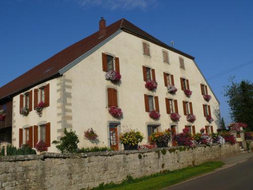 Le P'tit Bonheur : Bed and Breakfast near Montfort