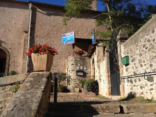 Hotel Restaurant La Calade : Hotel near Brenas