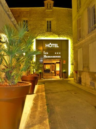 Citotel Hôtel des Messageries : Hotel near La Chapelle-des-Pots