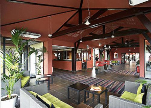 ibis Styles Segre : Hotel near Marans
