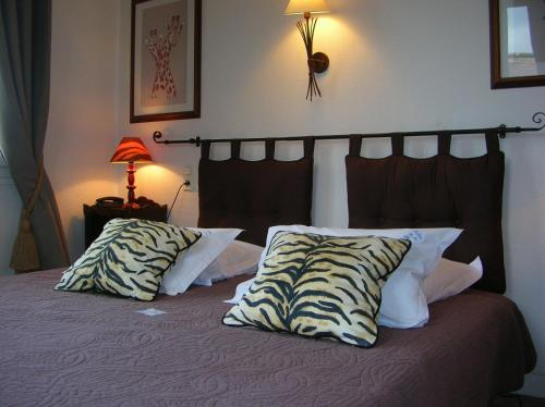 Logis Hotel Le Relais De La Poste : Hotel near Espins